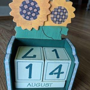 Other - Wooden block desk calendar